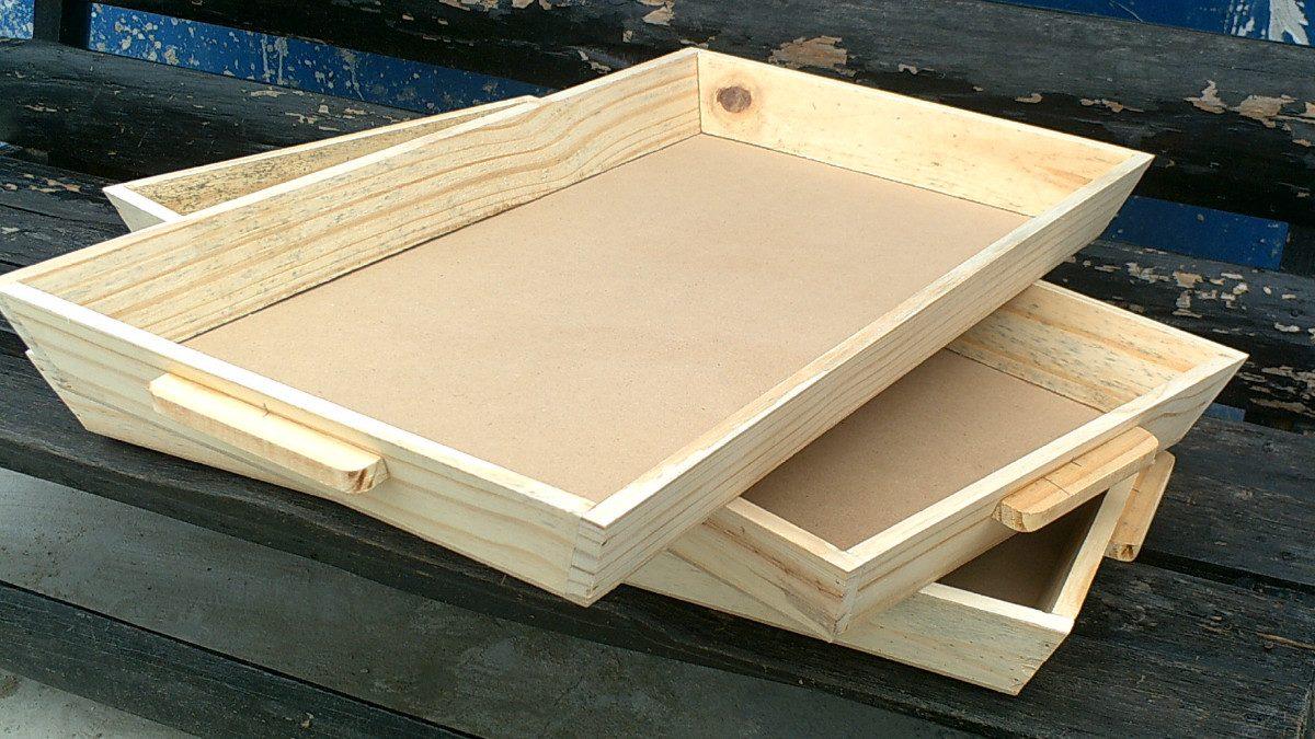 Bandejas en madera con asas varias utilidades nuevas for Bandejas de madera