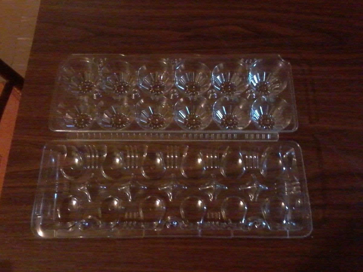 Bandejas plasticas transparentes para 12 huevos de gallina for Bandejas para huevos