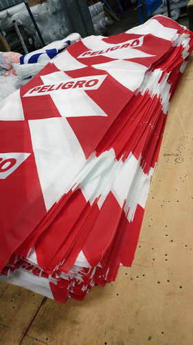 bandera de peligro 50x70cm reforzada vial oficial ley 24449