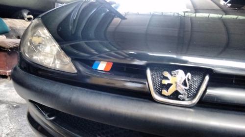 bandera francia, renault sandero,duster, peugeot.