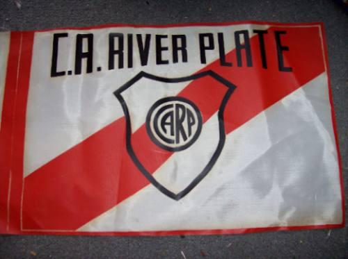 bandera vieja de tela  de river - no envio
