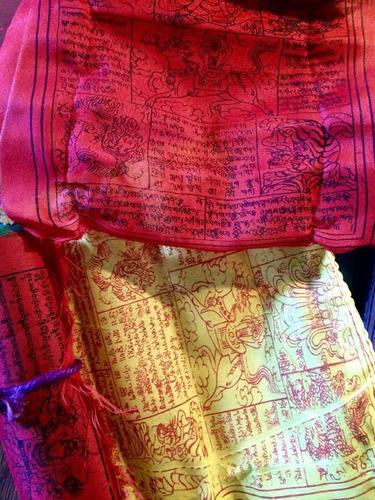 banderas tibetanas de oración horizontales (lung-ta) nepal