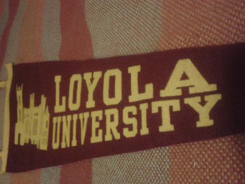 banderín de loyola university new orleans