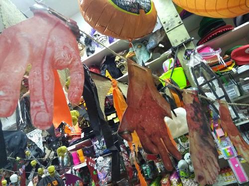 banderin guirnalda manos pies sangrientos sangre halloween