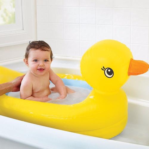 bañera inflable para bebe  de pato munchkin