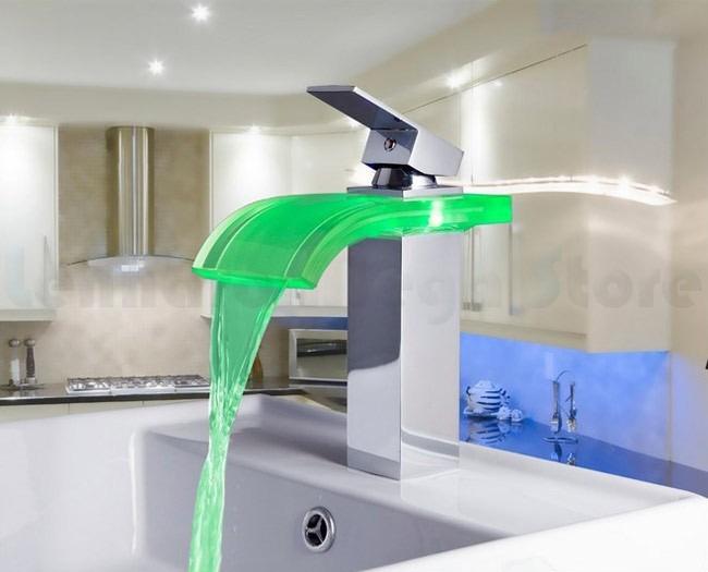 Torneira Para Banheiro De Metal Cascata Vidro Led Cuba Alta  R$ 384,26 em Me -> Cuba Alta Banheiro