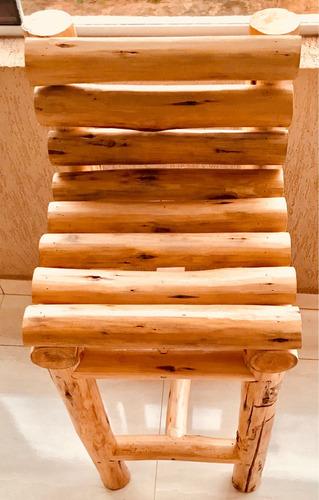 banqueta madeira rústica