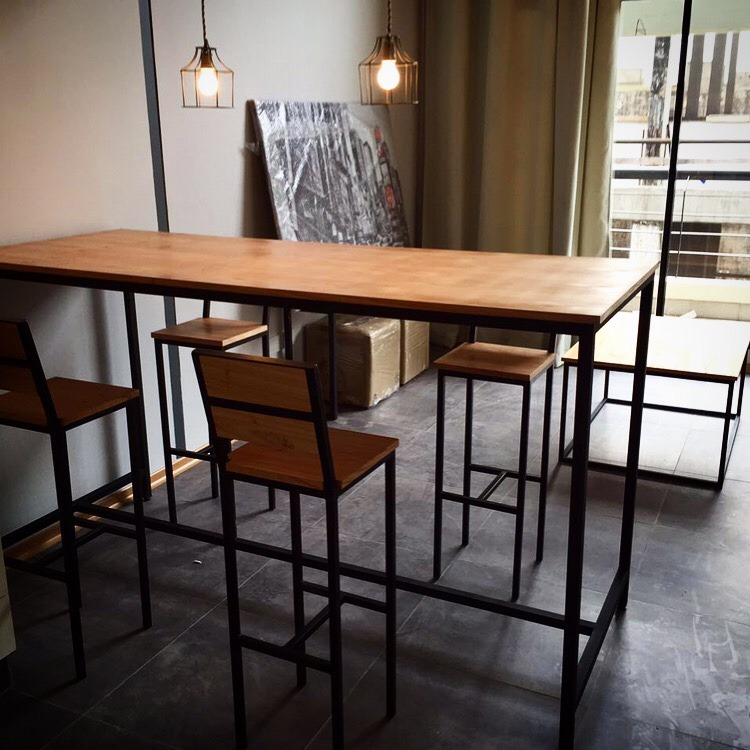 Mesas altas de madera amazing mesas bajas y altas for Mesa alta madera bar