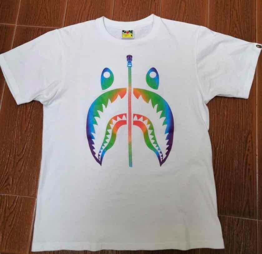 2ddf1b21e42391 Bape Rainbow Shark Tee - $ 2,000.00 en Mercado Libre