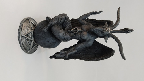 baphomet estatua em resina 26 cm