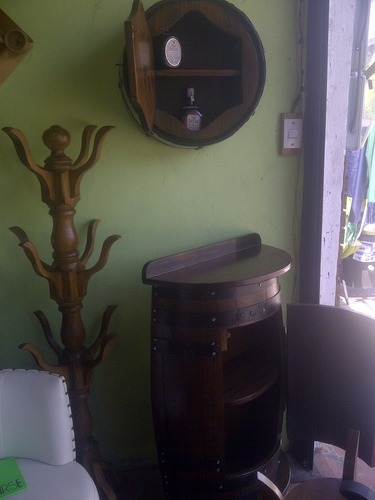 bar adorno de pared licorera porta botella barril o barricas