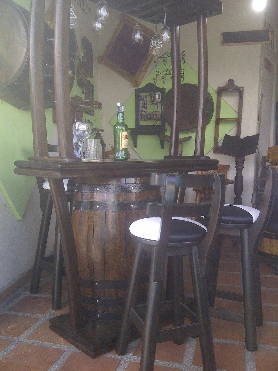 Bar con copero con 3 bancos en madera artesanal en barril for Bar barril de madera