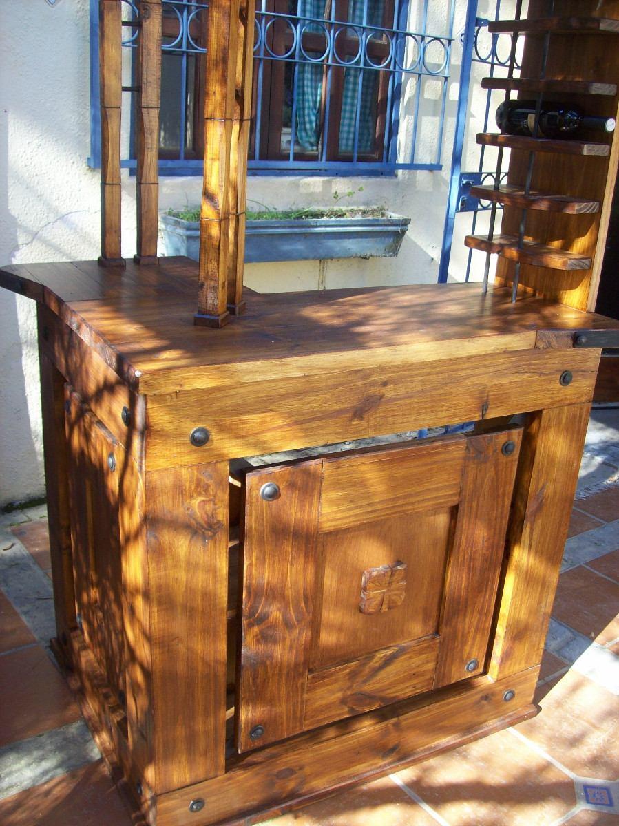 Bar en ele rustico artesanal con apliques de hierro for Mobiliario rustico para bares