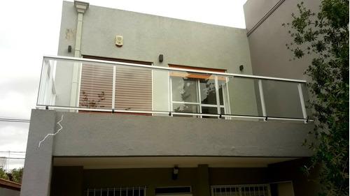 baranda balcón de aluminio y vidrio laminado