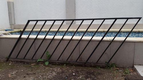 baranda  de hierro para escalera