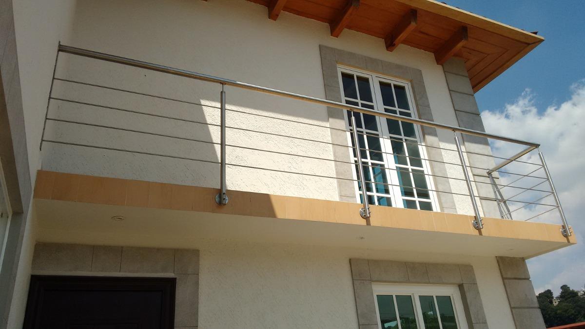 Barandal de acero inoxidable con sujecion lateral for Modelos de balcones modernos para casas