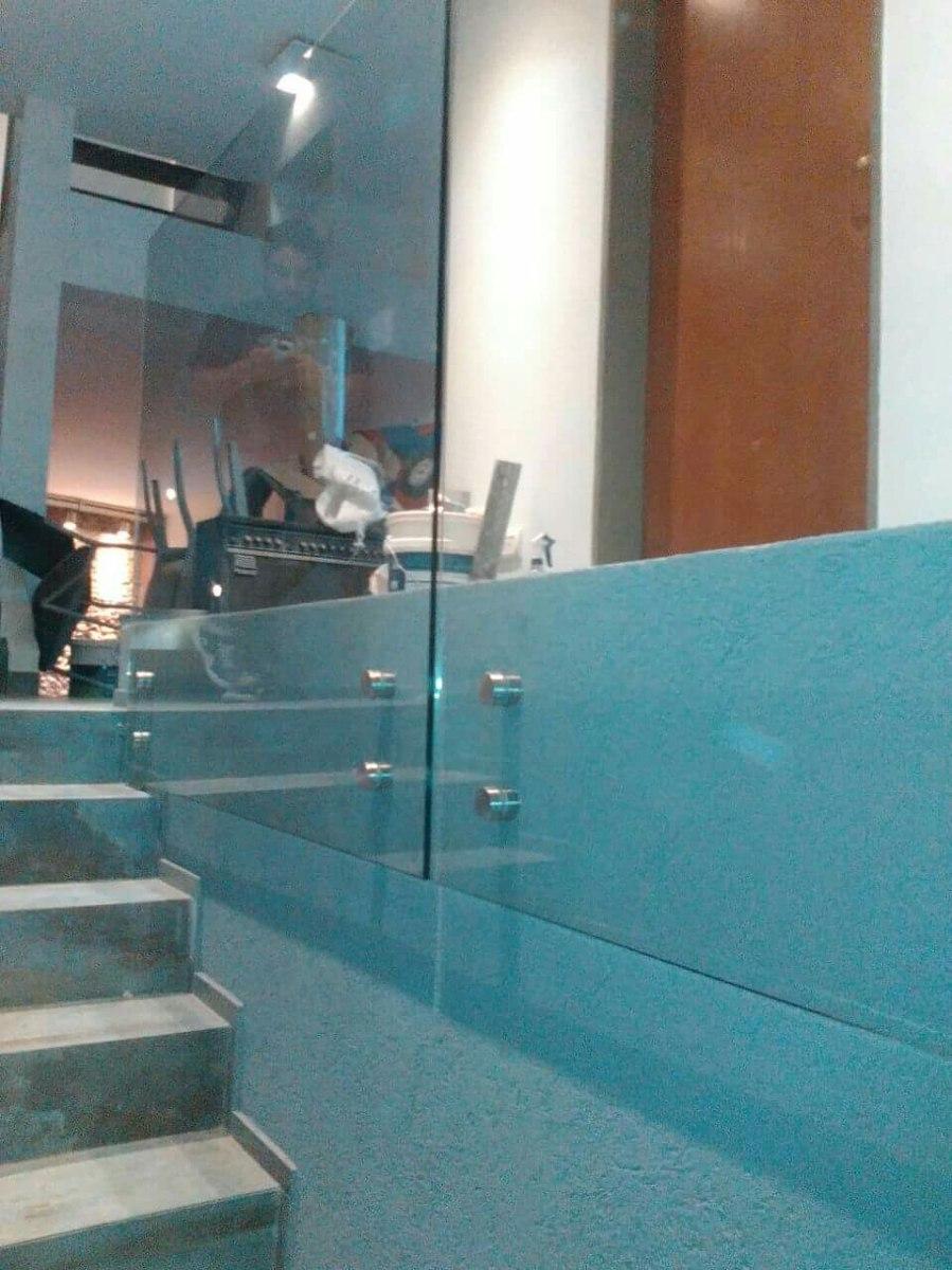 Barandas De Escalera O Balcón En Vidrio Blindex, Etc... - $ 8.000,00 ...