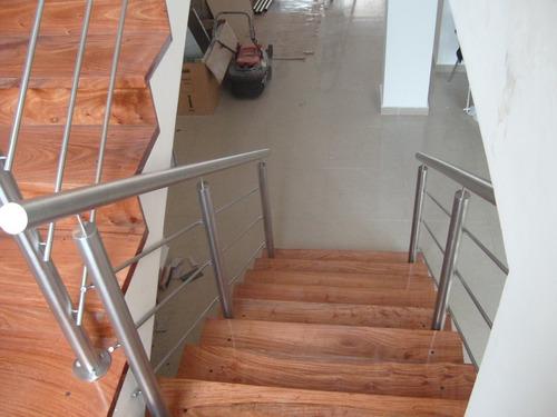 barandas en acero inoxidable. escaleras.