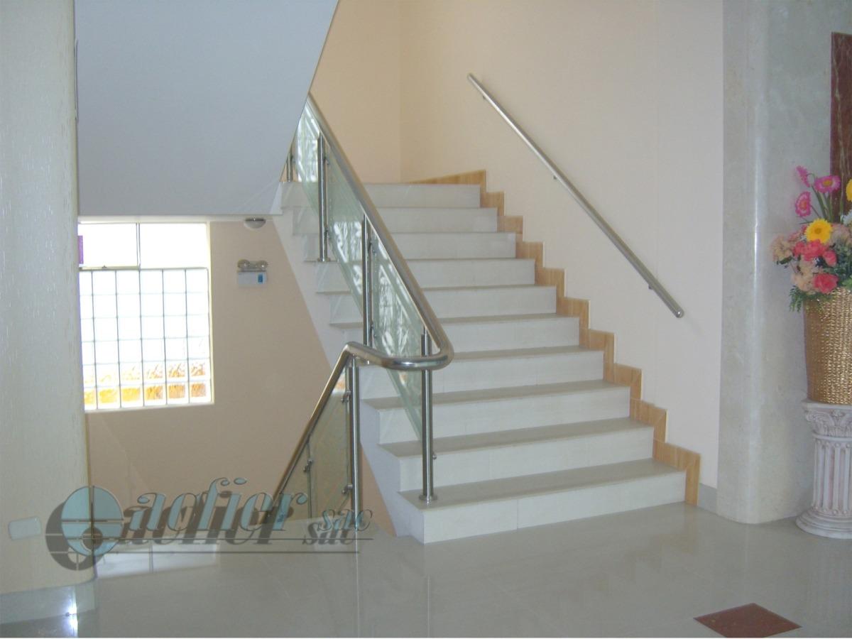 Barandas para escaleras barandillas para barandas para for Barandas de madera para escaleras interiores