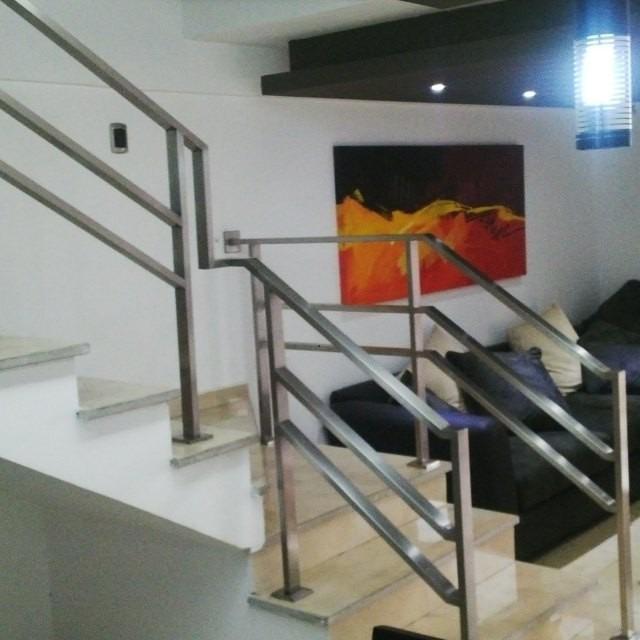 Barandas pasamanos y escaleras de acero inoxidable en - Pasamanos de escalera ...