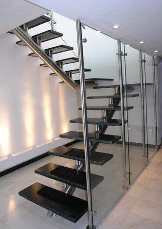 Barandas pasamanos y escaleras de acero inoxidable en for Tipos de escaleras arquitectura