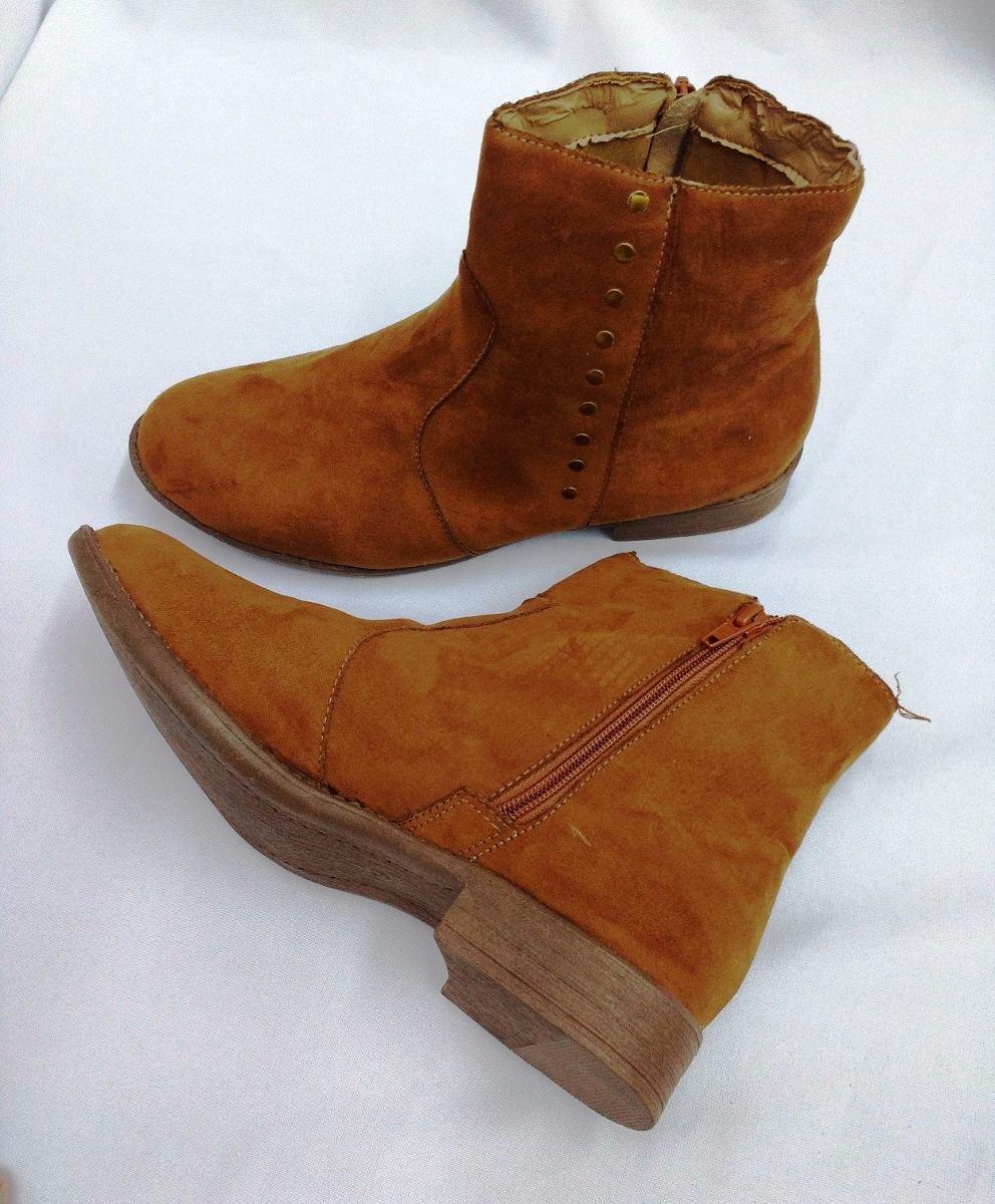 c73d3c341 barato bota feminina cano curto marisa tachas caramelo n.39. Carregando zoom .