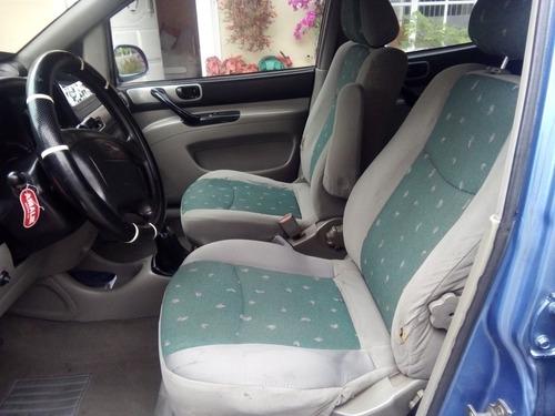 barato carro cómodo