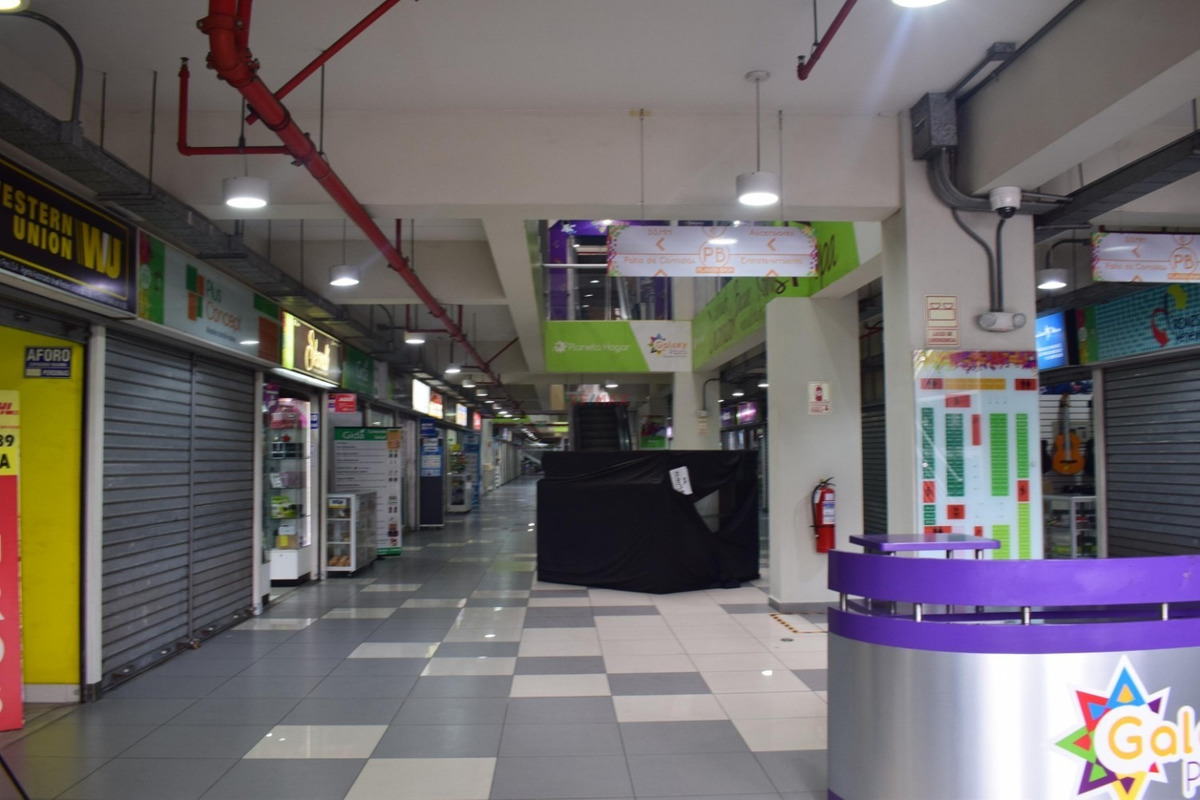 barato vendo local comercial  estreno en galaxy plaza mall