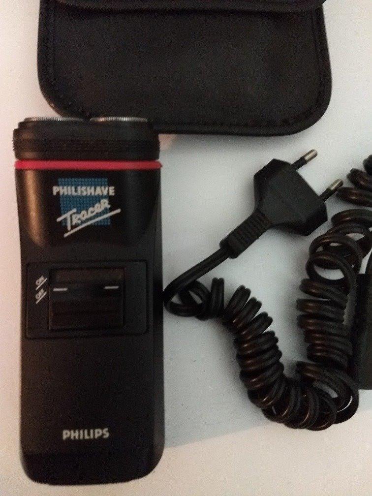 Resultado de imagem para barbeador elétrico philishave tracer hs260b