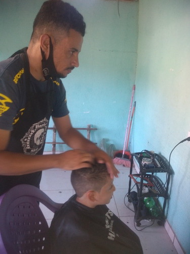 barbearia juliano cortes de cabelo masculino.