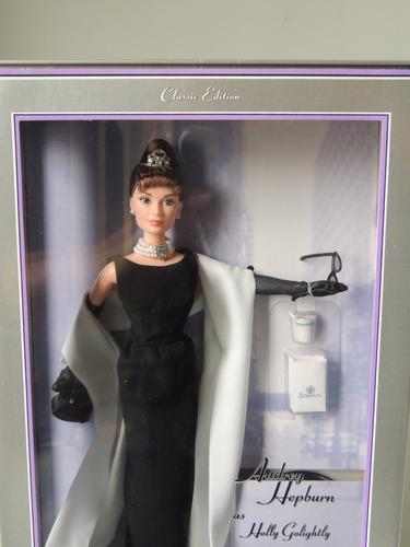 barbie audrey hepburn breakfast at tiffany's bonequinha luxo