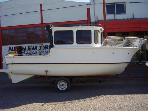 barco artesanal listo para navegar