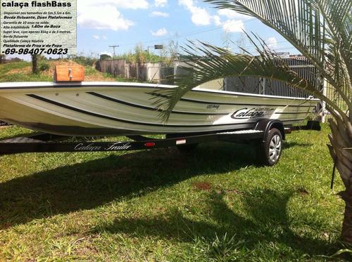 barco de alumínio calaça mod flash bass 550 de 5,5 metros