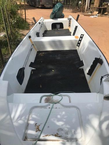 barco de casco duplo 2015