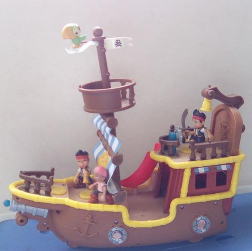 barco de jake el pirata con sus accesorios