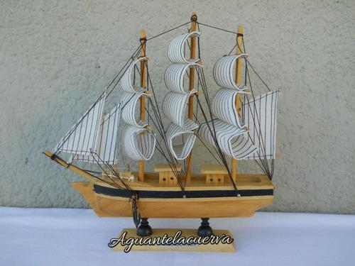 barco madera tipo fragata  23x23 casco color natural