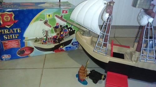 barco pirata grande y completo