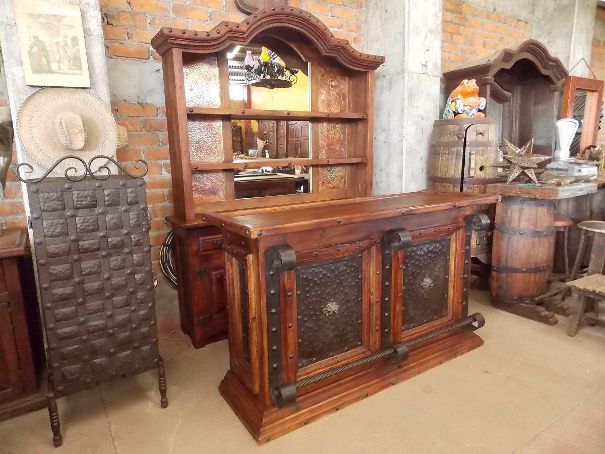 Barra cantina de madera y hierro forjado estilo antiguo for Bar en madera para casa