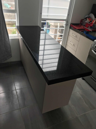 barra cubierta de granito negro san gabriel