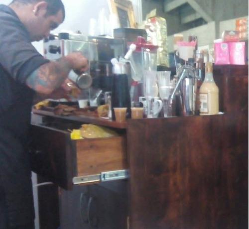 barra de cafe, jugos y cócteles