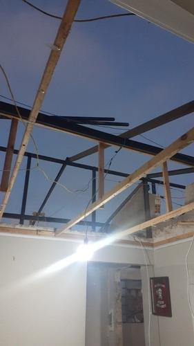 barra de ferro u  e telhas de 6mx180 $2.000 tudo