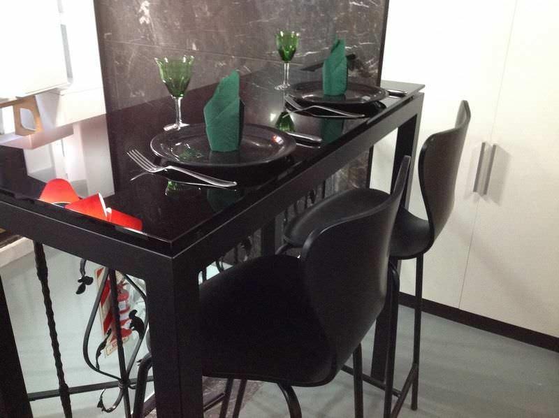 Barra Desayunador Con Dos Banquetas Tapa De Cristal Negro