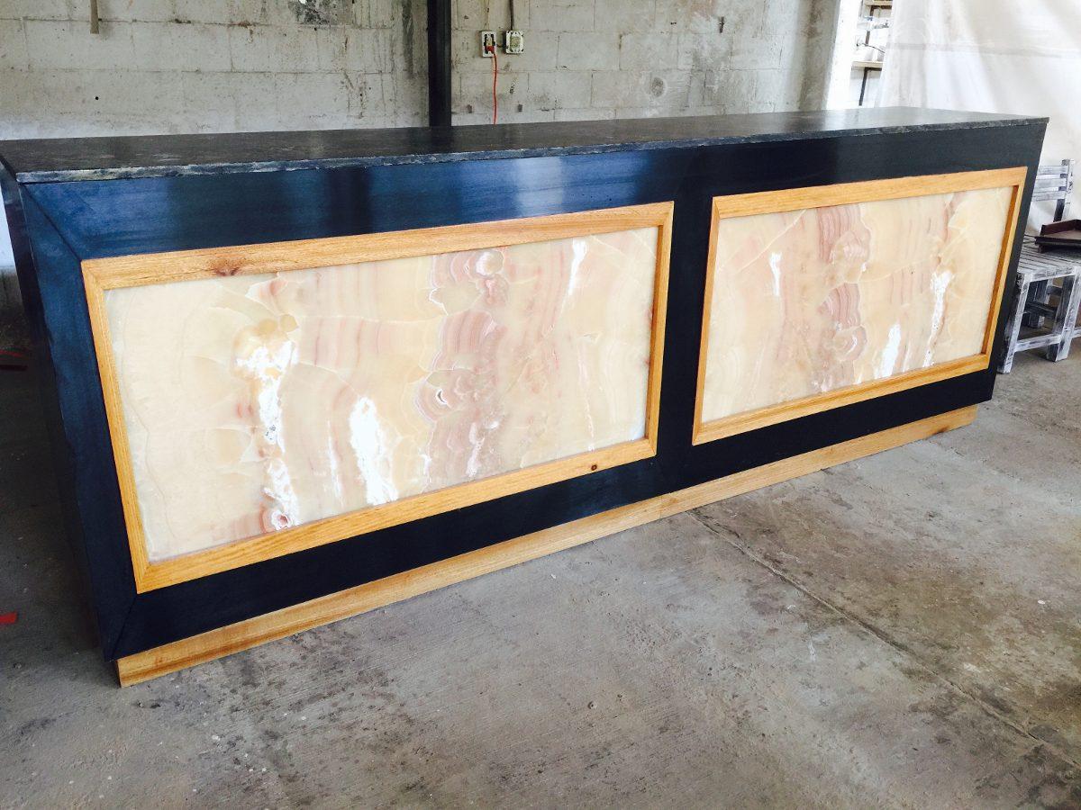 Barra para restaurante y bar en granito nix y roble for Fabricacion de bares de madera