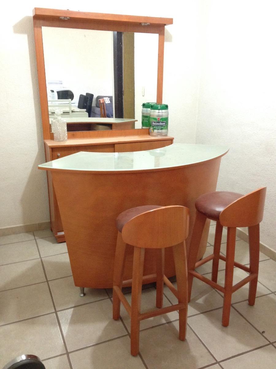 Barra tipo bar cantina con dos bancos espejo y luz for Barras para casa