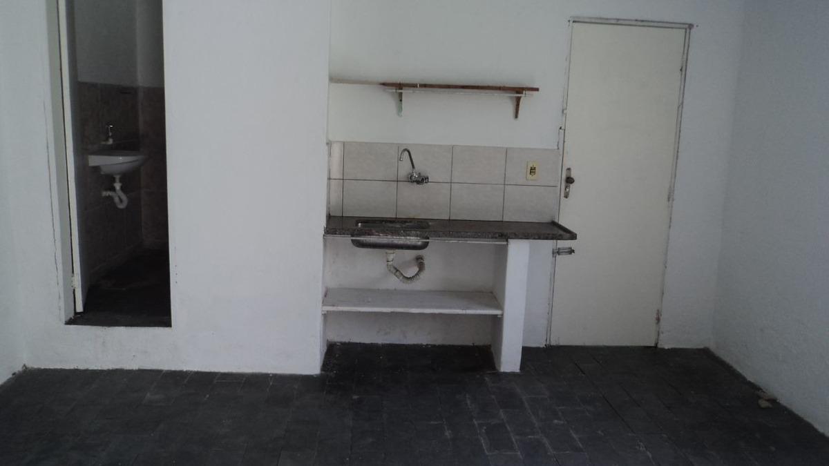 barracão  01 quarto bairro letícia - 870