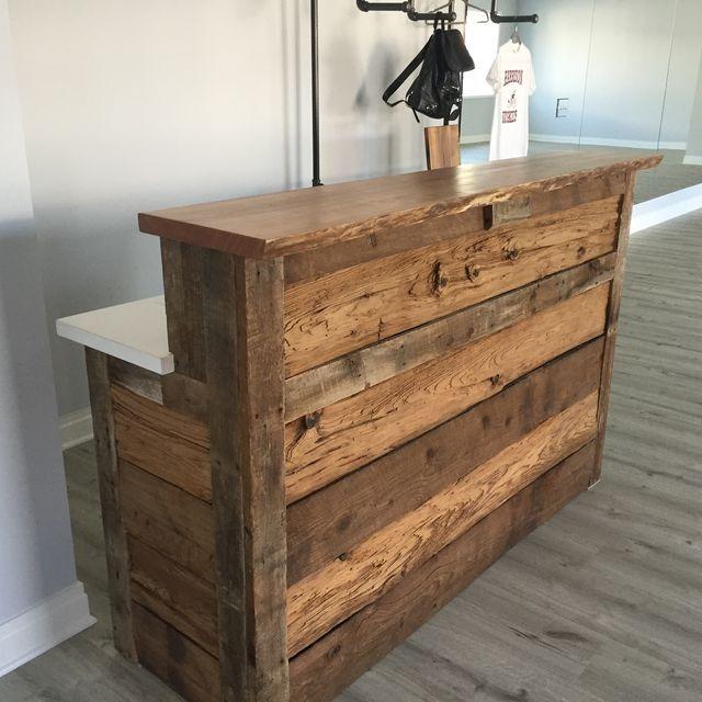 Barras y stand de madera de pino bs en for Fabricacion de bares de madera