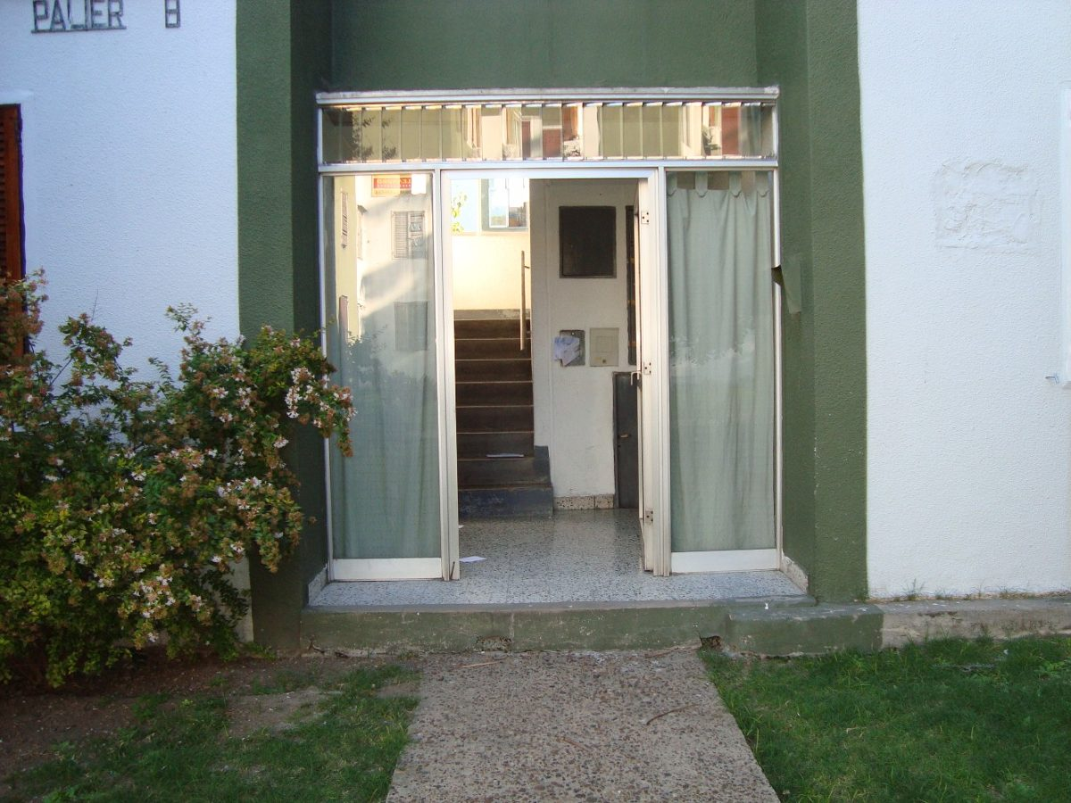 barrio 420 9- b -3 - banfield - depto. de 3 ambientes