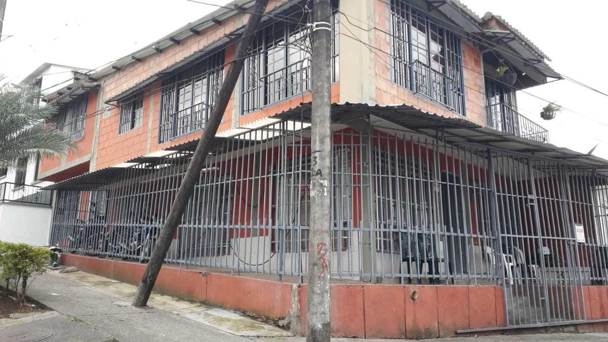 barrio arrayanes casa de dos plantas, 4 habitaciones