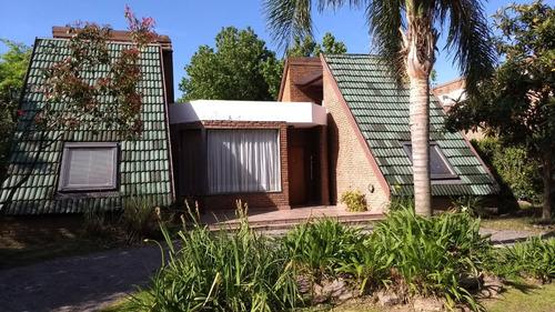 barrio campo chico - casa 4 ambientes con piscina
