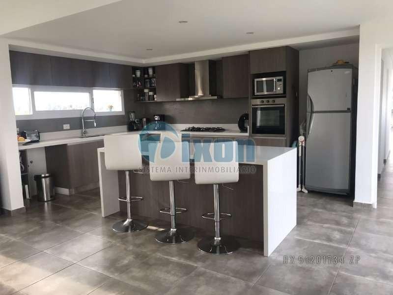 barrio cerrado complejo villa nueva - san benito - casa venta usd 448.000